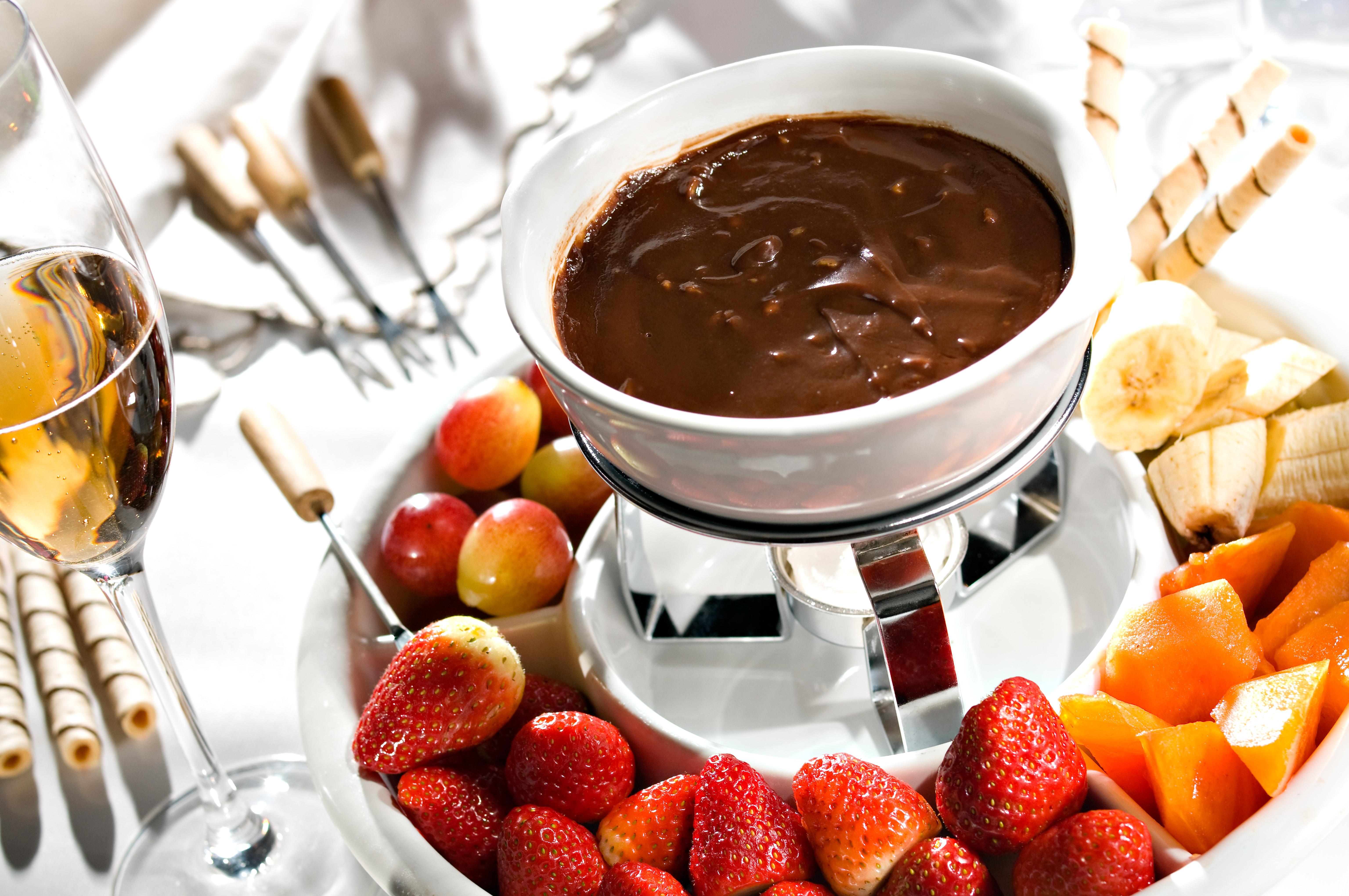Fondue gastronomia - Fondue de chocolate ...